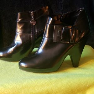 Vince Camuto Leather ankle boots - Yonkers